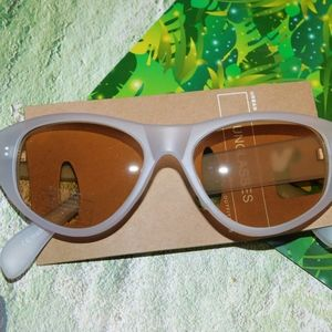 Urban Outfitters Oversized Cat Eye Sunglasses